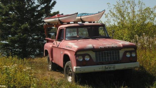 Dodge W100Large