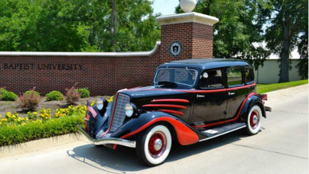 1934 Auburn 652Y sedan