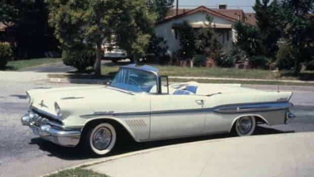 1957 Pontiac Bonneville (V-8)