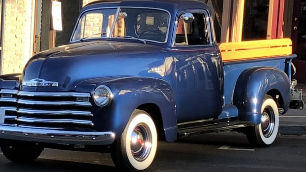 1953 5-window Chevrolet 3100