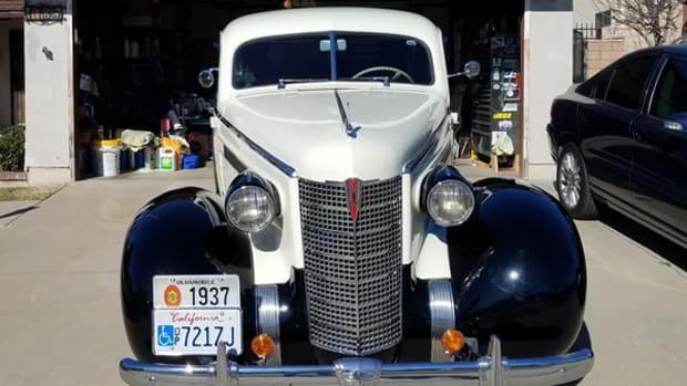 1937 Oldsmobile L37-3811