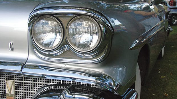 58 Pontiac Chieftain