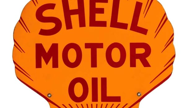 Double-sided Shell Motor Oil die-cut Motor Oil sign marked 'Tennessee Enamel, 1931; 23 by 23½ inches, condition 9.5 out of 10. Estimate: $3,500-$5,000. Photo - Morphy Auctions
