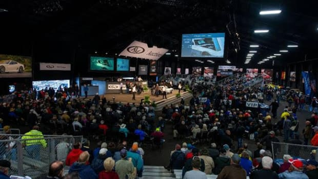 An overview of a packed auction area at RM Auctions Auburn Spring 2018 - Photo RM Auctions