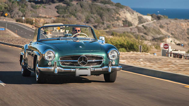 1961 Mercedes-Benz 190 SL Roadster (Karissa Hosek © 2014 Courtesy Auctions America)
