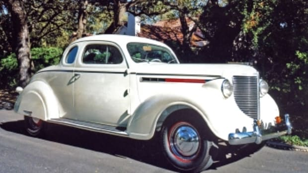 1938 Chrys 15-38 at Morris home.jpg