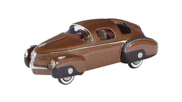The Shrock Brothers 1946 Tucker Torpedo is a hand-built metal model in 1:72 scale.