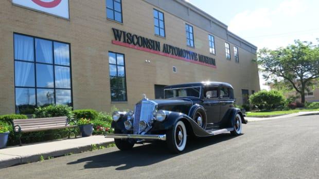 1933 Pierce Arrow - photo Wisconsin Automotive Museum