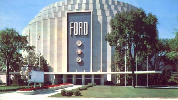The original Ford Rotunda (above) will be replicated at the Early Ford V-8 Museum in Auburn, Ind.