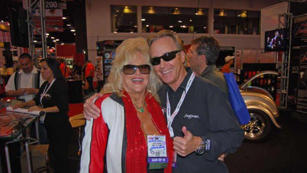 Linda Vaughn with Steve Davis of the Barrett-Jackson auction company. (John Gunnell photo)