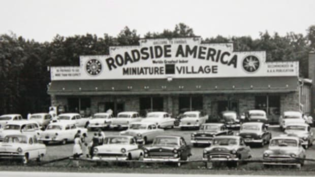 "The full parking lots in 1950s photos confirm Roadside America was doing ""land office business"" when it enjoyed direct access to the eastbound lanes of U.S. 22."