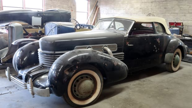 This 1937 Cord Phaeton Model 812, once owned by Glenn Pray, will be featured at Leake Auction's Tulsa sale June 5-7.