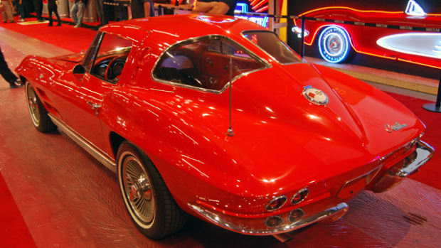 Corvette's split rear window treatment lasted just one memorable year.