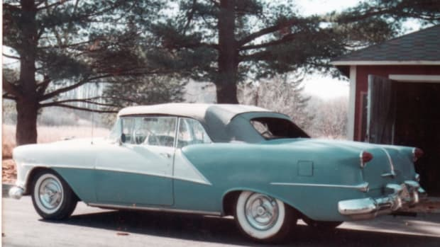 The 1954 Oldsmobile Starfire Ninety-Eight convertible in 1976 after Terry Boyce drove it from Pennsylvania to his home in Wisconsin. It hit 30,000 miles on the drive home. (Terry Boyce photo)