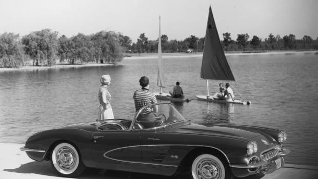 Factory photo of new 1960 Corvette.