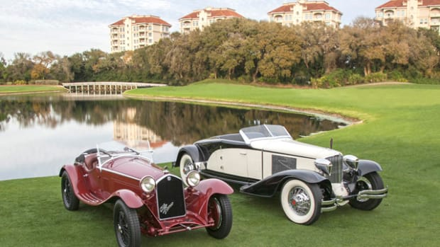 1930 Cord L29 Brooks Stevens Speedster (right) and a 1932 Alfa Romeo 8C 2300 Zagato Spyder win Best of Show at the 2015 Amelia Island Concours. (Photo credit: Neil Rashba)
