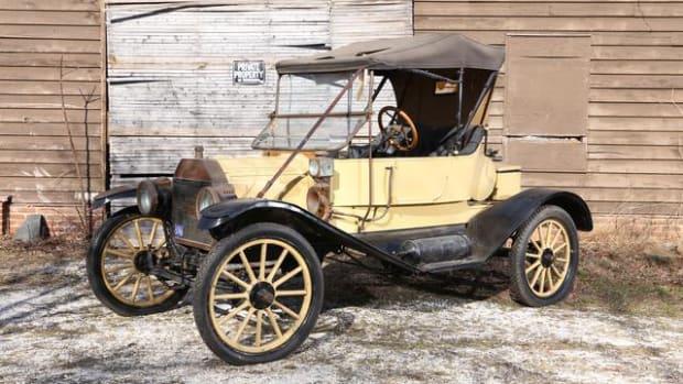 1911 Ford Model T Torpedo Roadster.