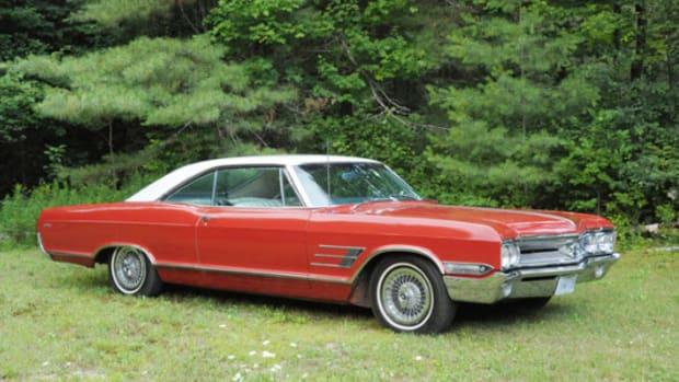 1965 Buick Wildcat sport coupe