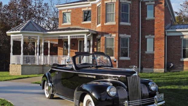 1941 Packard 120