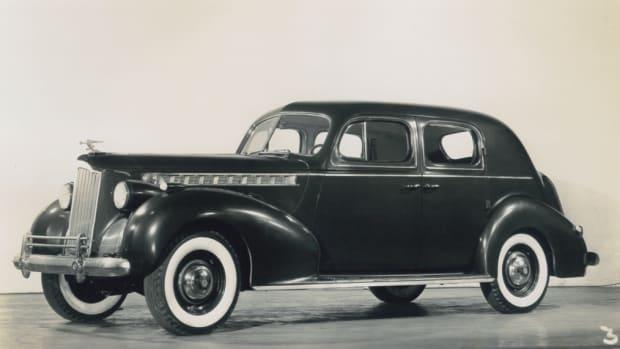 1940 Packard Super Eight 160 Club Sedan