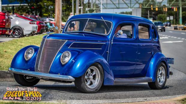 1937 Ford Model 74