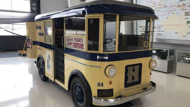 1940 Divco Twin in once-often-seen Helms Bakery livery