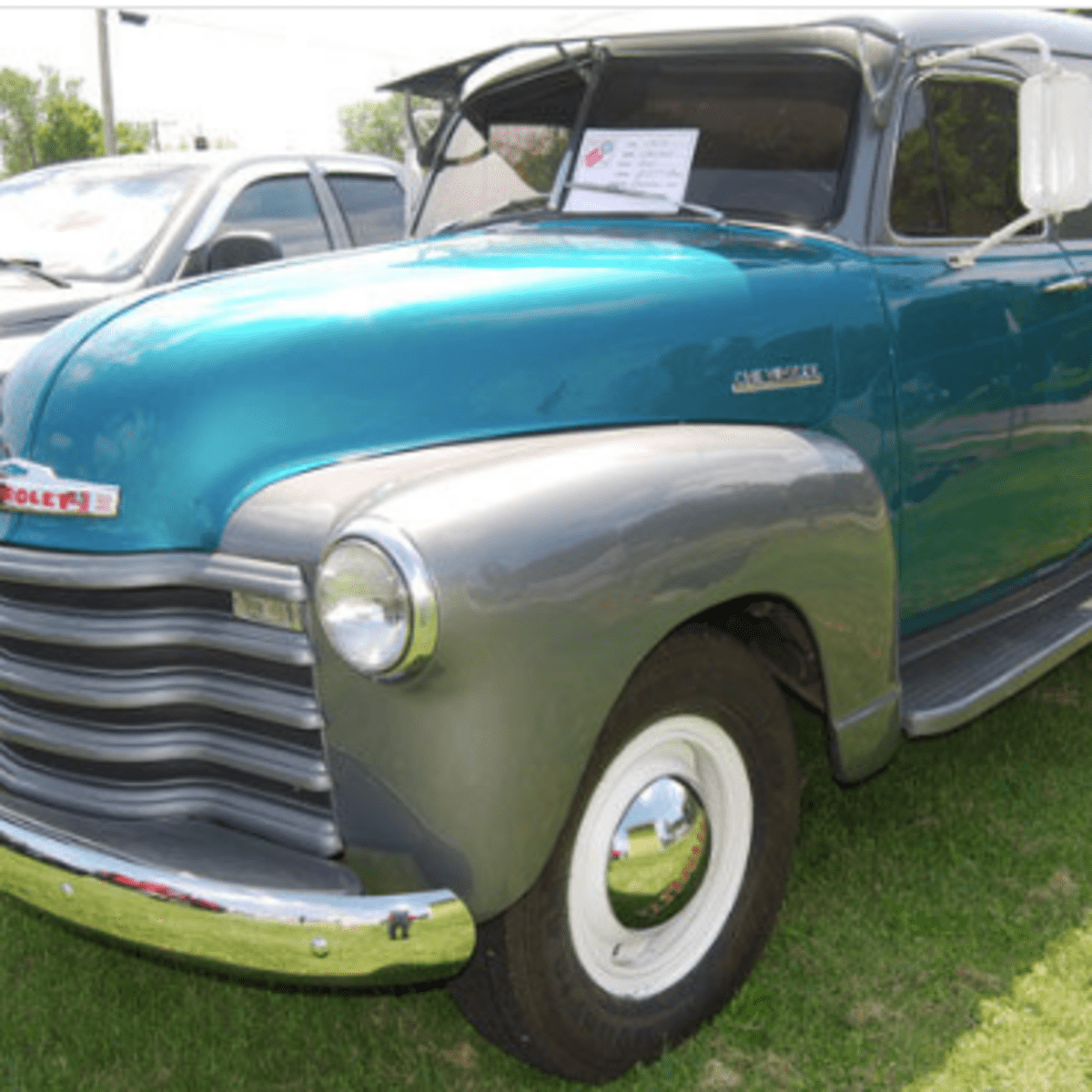Car Of The Week 1952 Chevrolet 1 Ton Panel Truck Old Cars Weekly