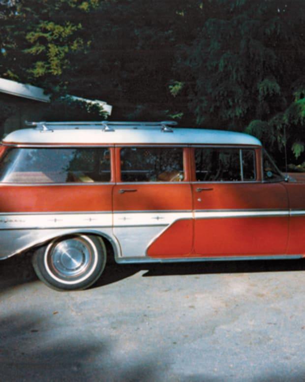 57 Pontiac Starchief Safari 4 dr3
