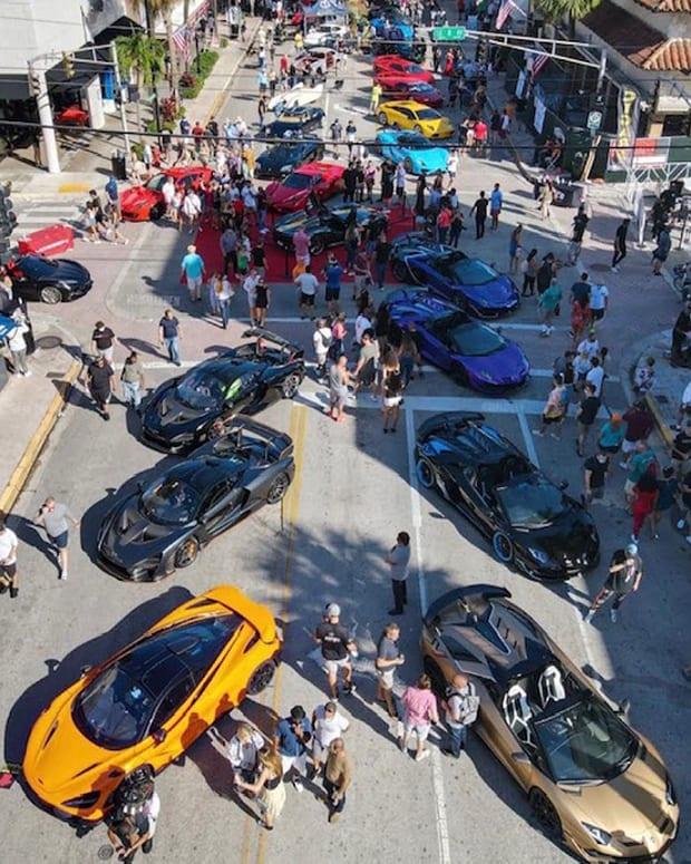Street view_ Exotics on Las Olas