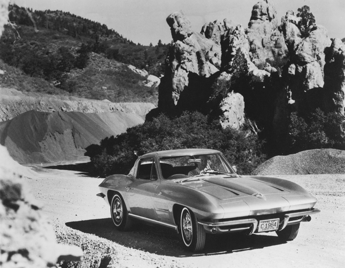 Styling was cleaner in '64. The split window was replaced by a one-piece rear window.