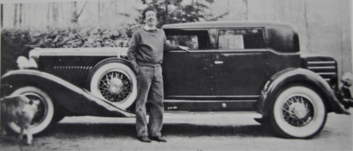 ACD Club founder Harry Denhard standing next to his 1932 Murphy Beverly J-474. He sold this car for $150 and it was wrecked, with most parts going to Jim Hoe.