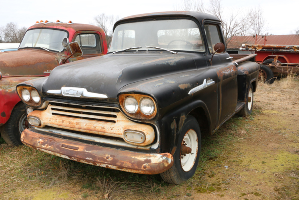 This 1958 Chevrolet Apache 36 has a long-narrow-bed and is complete with engine. It would be a good one to restore. Long-narrow-beds of this era were favorites of farmers with a small herd of cattle who would add sideboards to haul their cattle to market.