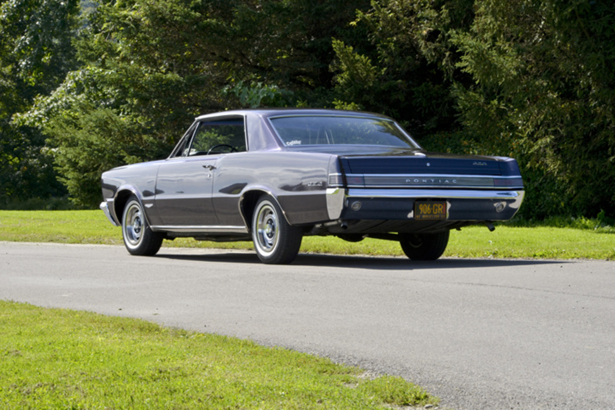 Three body styles were offered on the first generation of GTO (1964-1967): a convertible, a hardtop and a coupe. This coupe represented the least expensive and lightest GTO.
