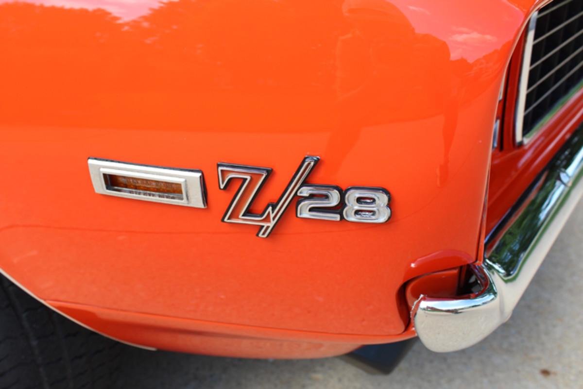Z/28 emblems adorn the front fenders