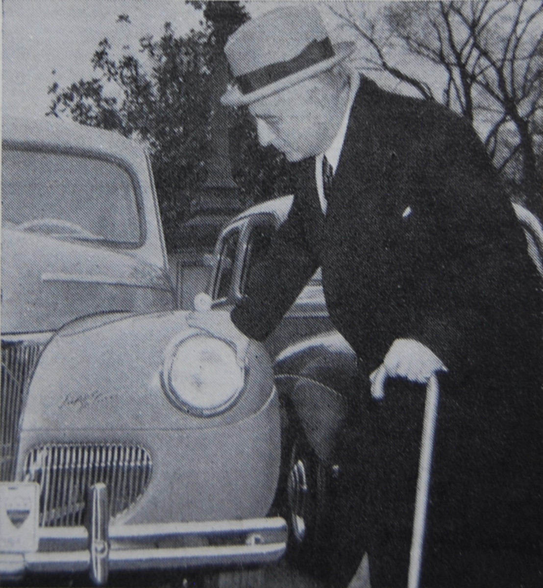 Inauguration's General Chairman Joseph E. Davies inspected one of the Fords.