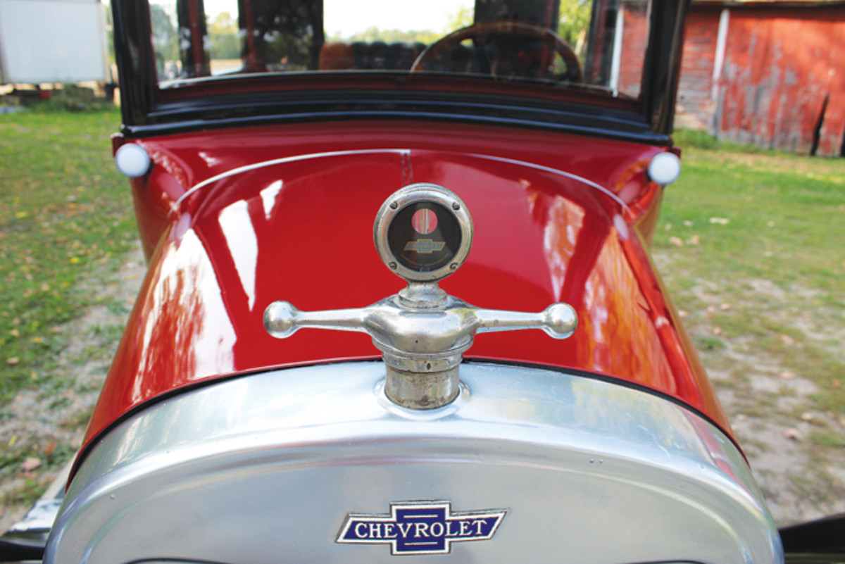 It does have plenty of other nice touches for the time, including a Boyce MotoMeter atop the radiator shell, a sun visor and suspension and running gear that were a step up from the final editions of the Model T Ford.