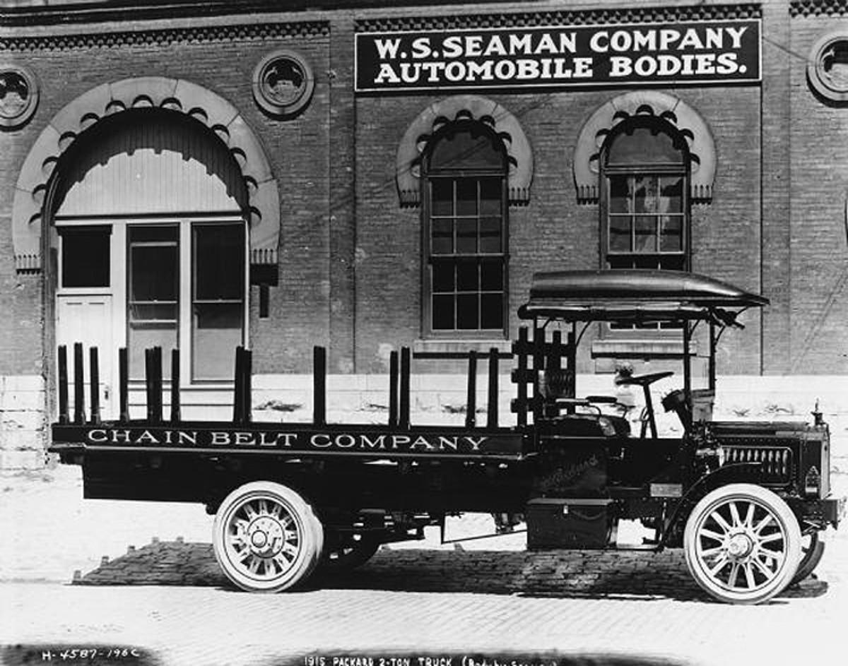 1915 Packard 2-ton truck