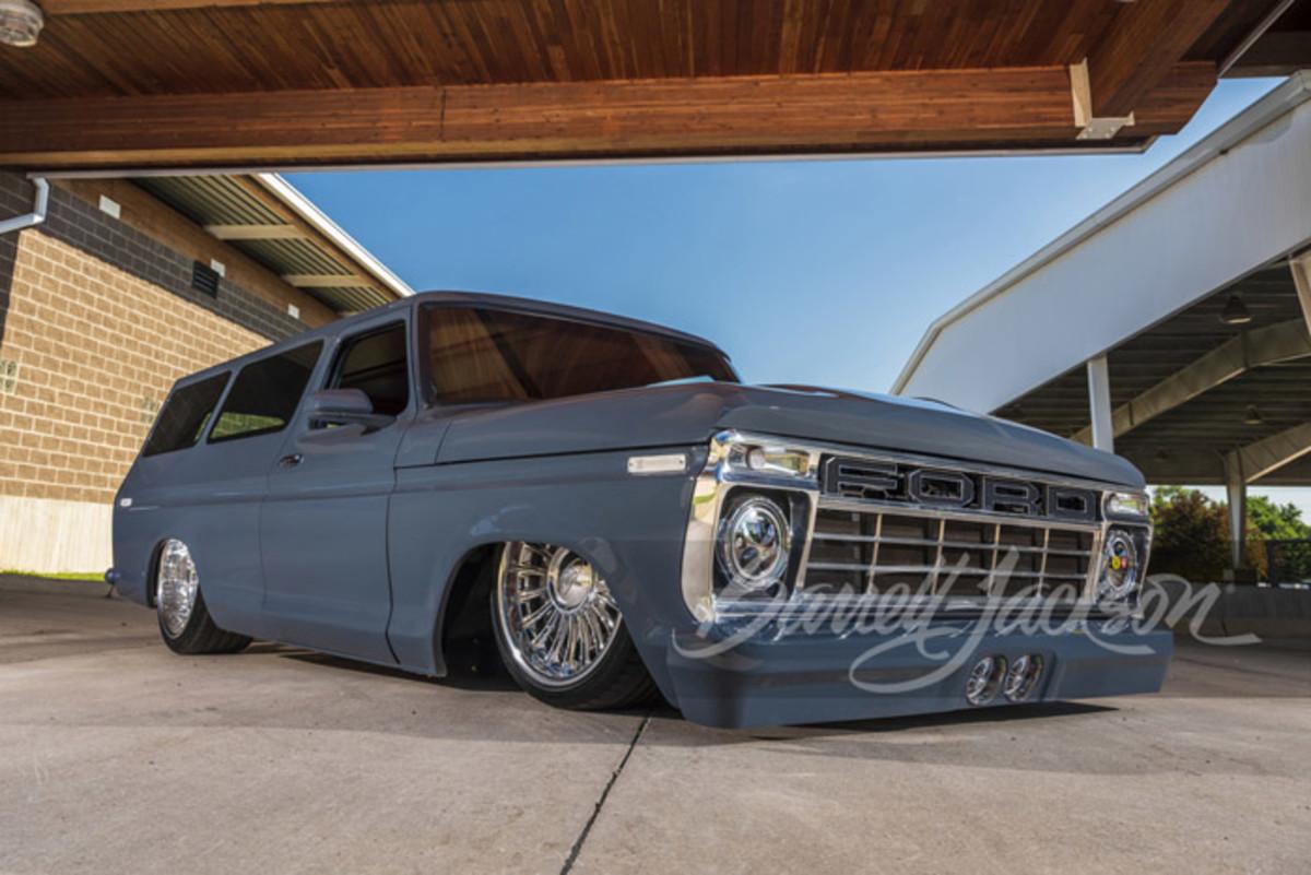 """1976 Ford B-100 wagon called """"El Chapo"""""""