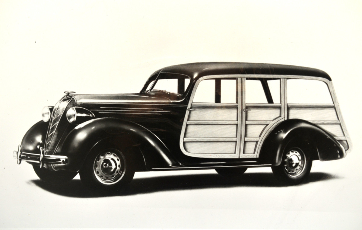 For 1936, Hudson had proven the sales success of its Terraplane models and offered a woodie wagon for country living and personal hauling.