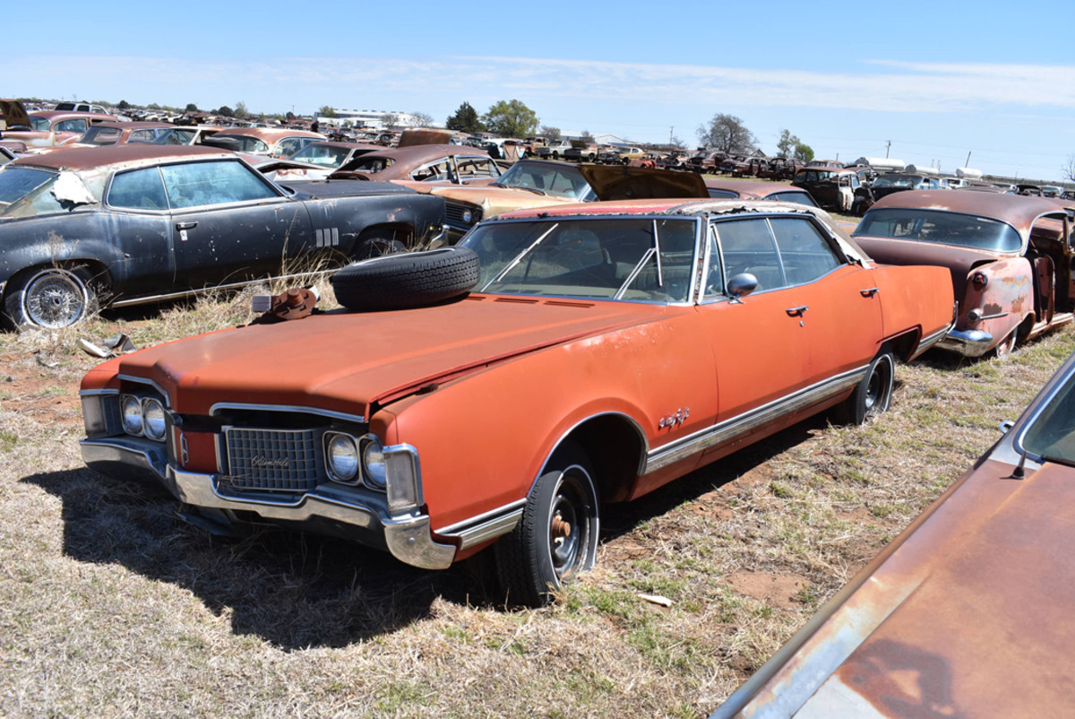 Full-size elegance was found in the 1968 Oldsmobile Ninety-Eight four-door hardtop taking up residence at Owens Salvage.
