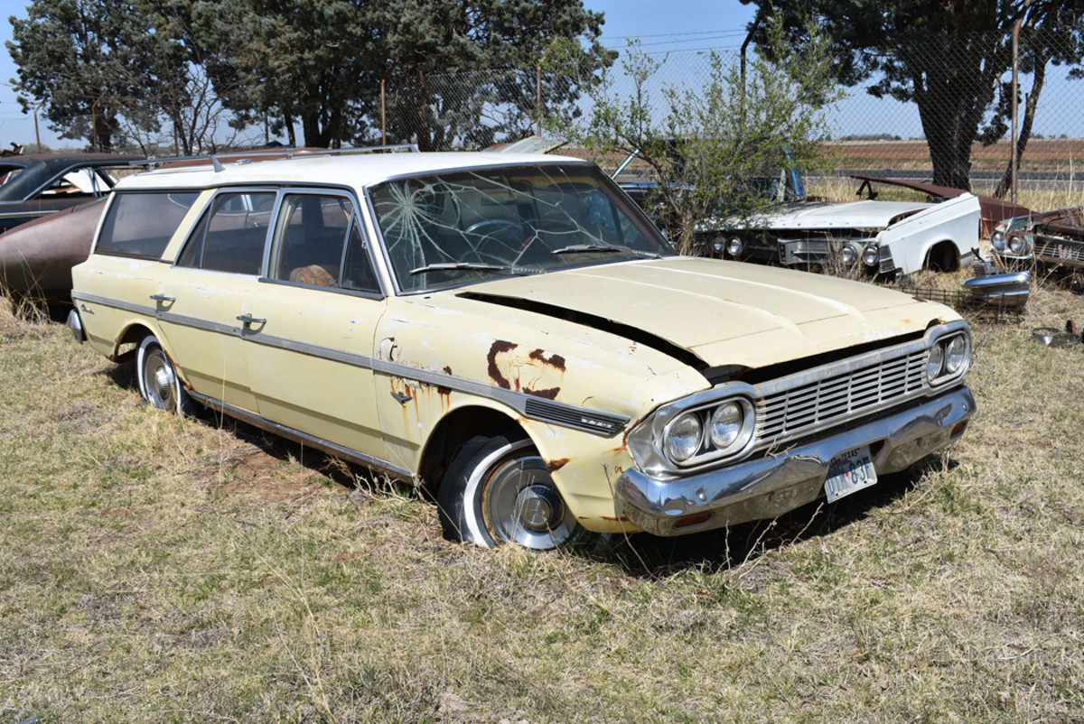 How about a 1964 Rambler 770 Classic station wagon? We found this prime example just waiting for a good home.