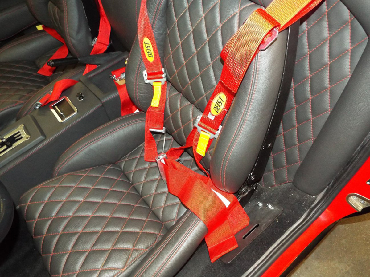 pantera seats and harnesses