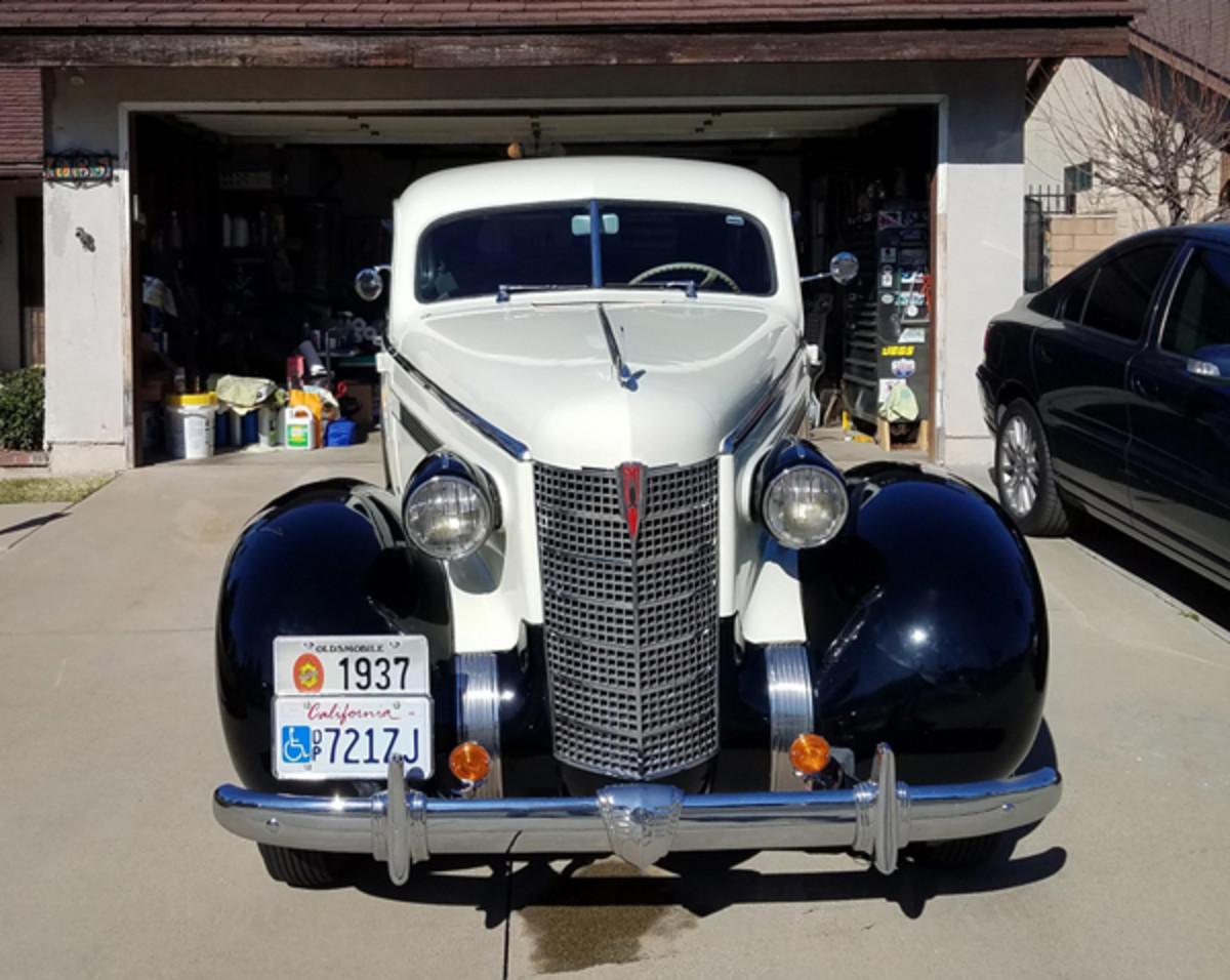 Russ Golesh's1937 Oldsmobile L37-3811