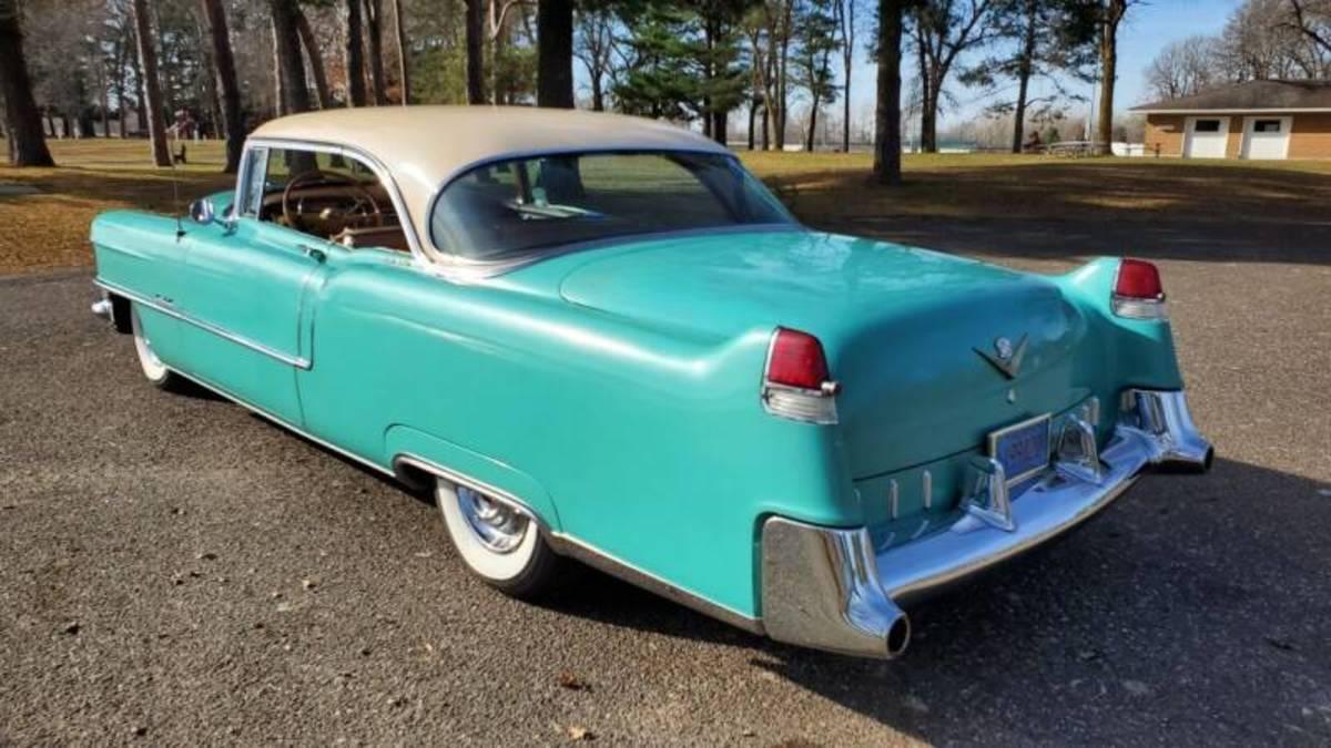 Sophi 1955 Cadillac rear