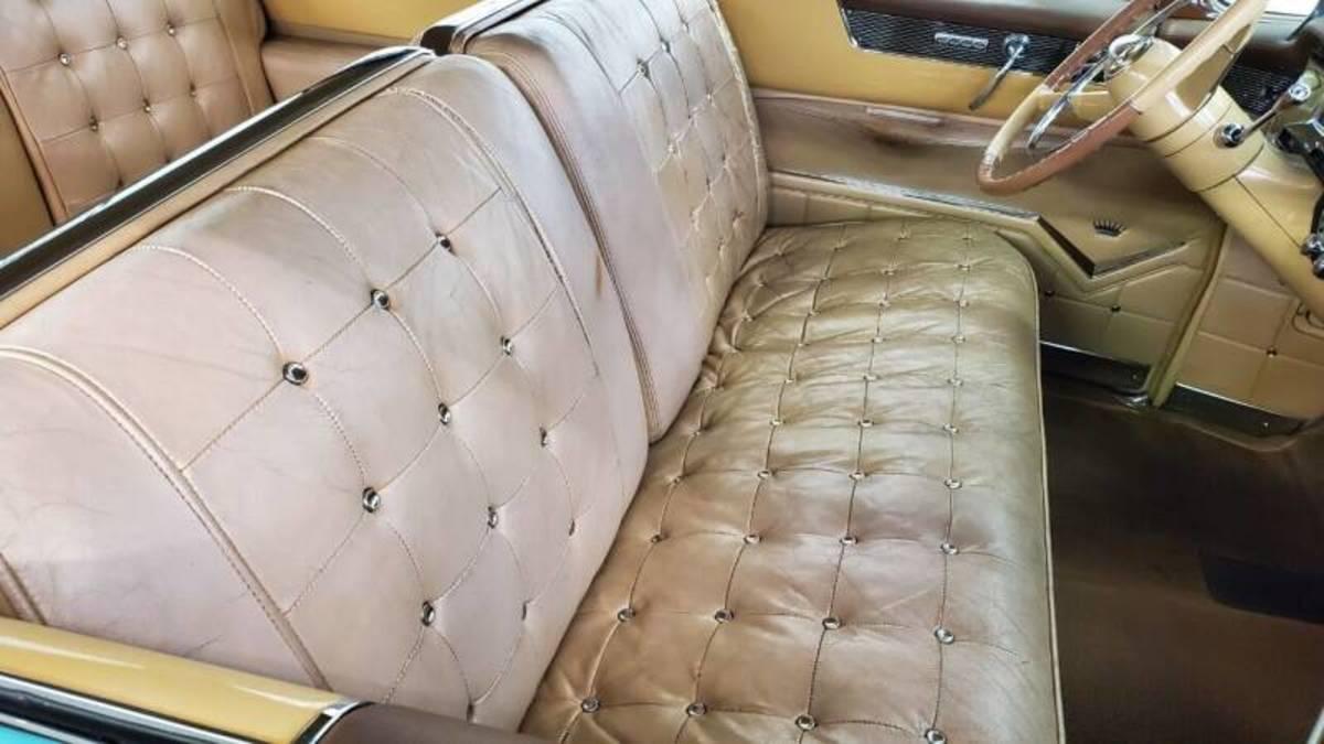 Sophi 1955-cadillac-series-62-coupe-de-ville-w-special-order-eldorado-interior