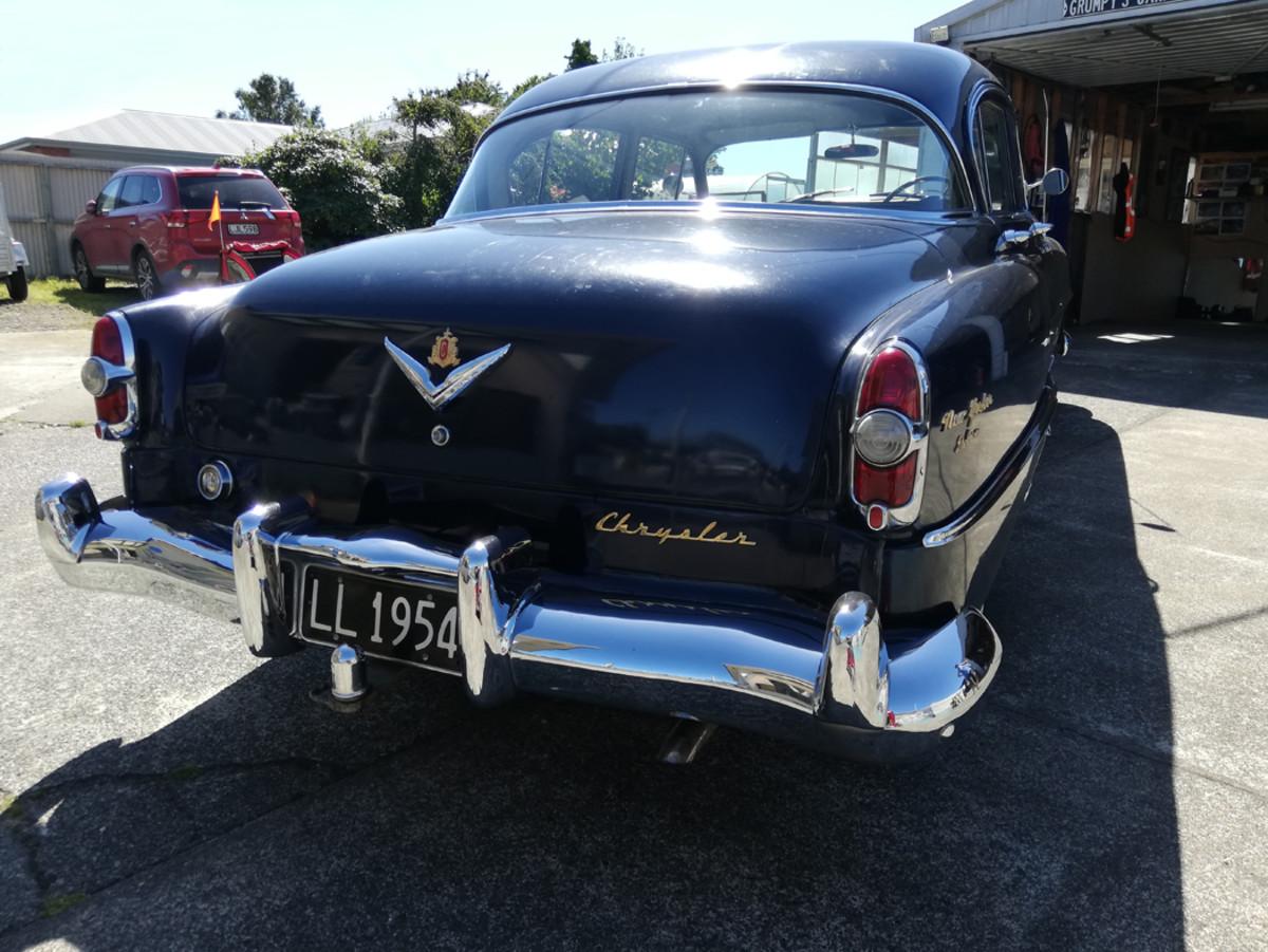 1954 Chrysler New Yorker Deluxe 331 hemi 3