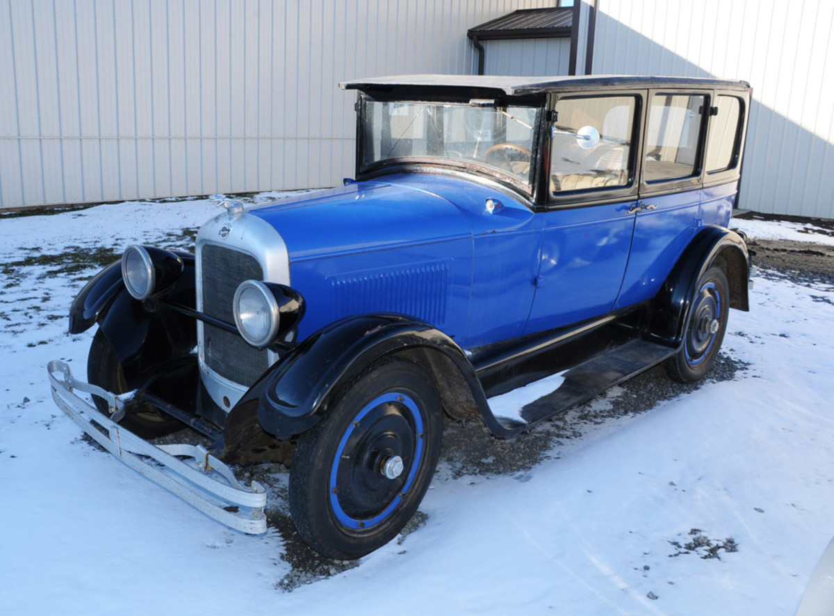 1927 Studebaker Commander Big Six 4-dr sedan. Condition #4, sold for $5,000.