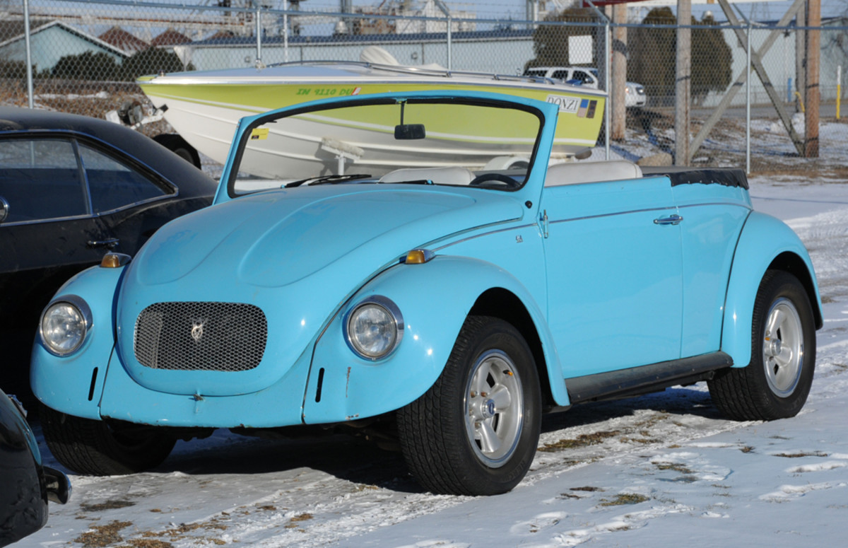 1973 Volkswagen Beetle  2-dr conv. Condition #3, sold for $7,000.