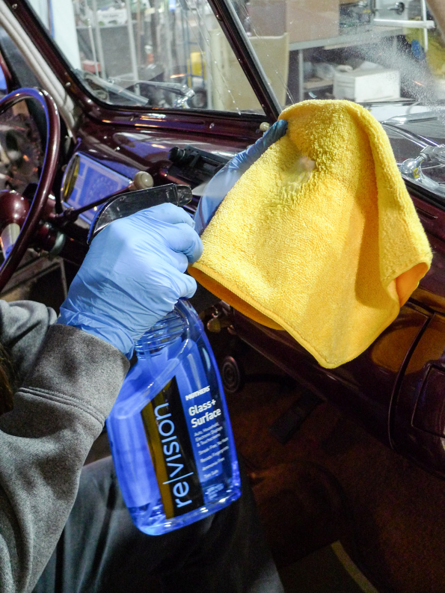 While crew members polish bright work, let's finish up inside! Like the pros we know, we'll squirt Mothers Revision onto clean microfiber, rather than directly to glass.