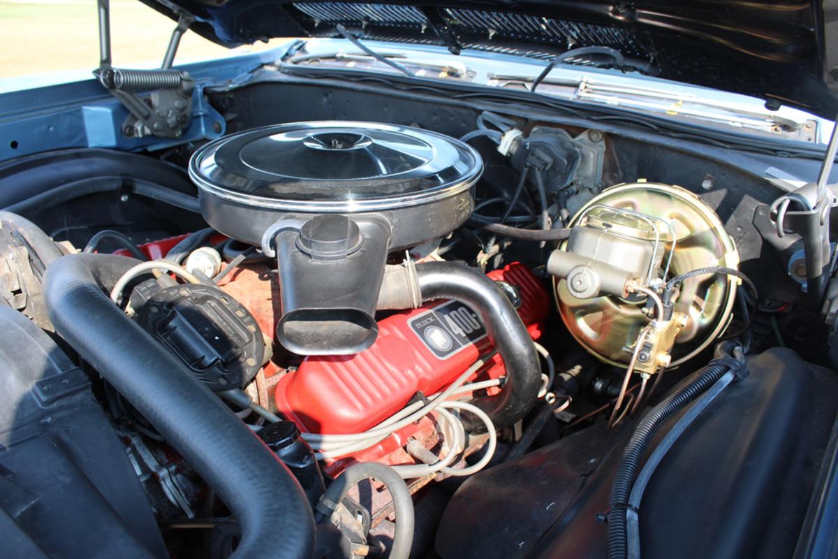 400-cid/340-hp V-8